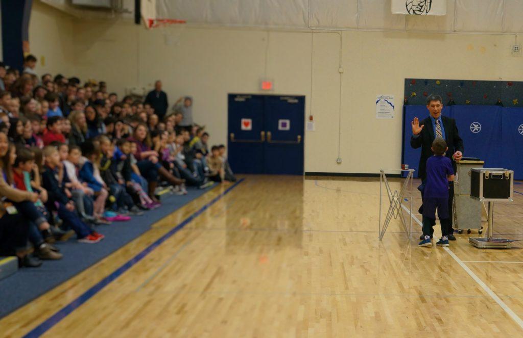 Jeff Evans entertains for the St. Luke School in Seattle